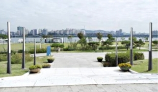 The Hangang Park Entrance for Yeouido