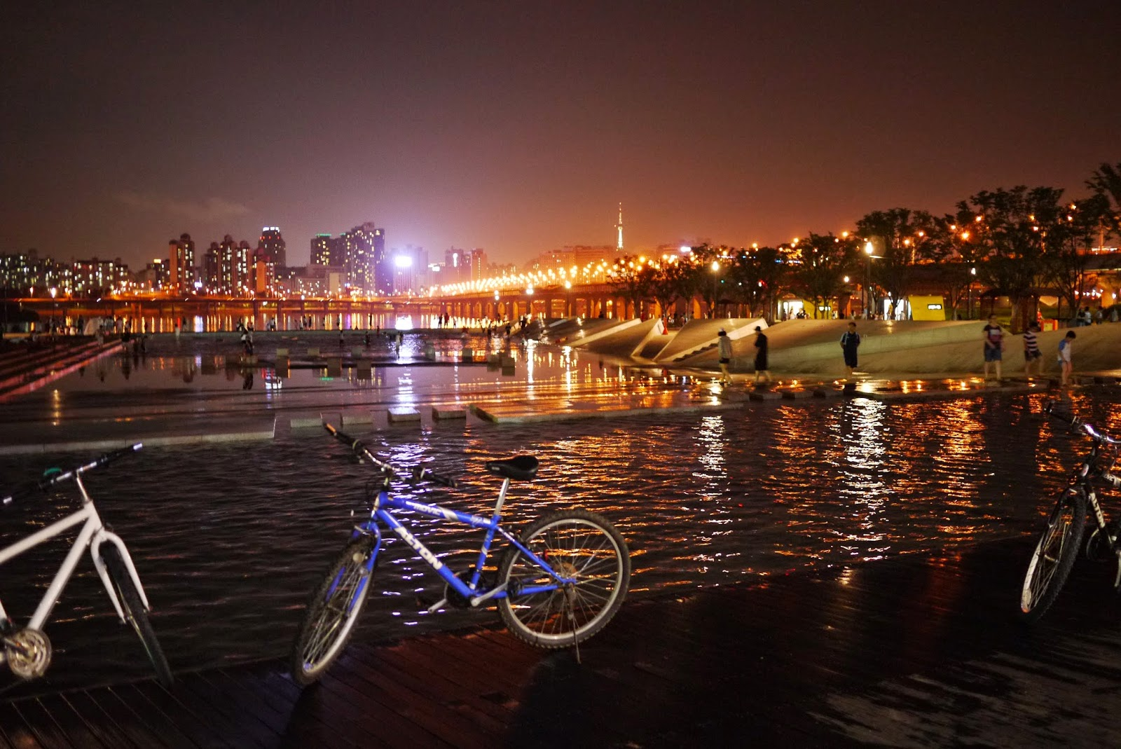 Summer Along the Han River !!