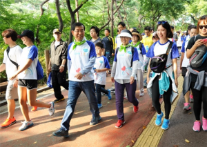 2015  Healthy Weight 3.3.3. Project with 17,415 Seoul Citizens