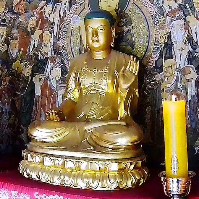 Bongeunsa Buddhist temple in Gangnam (강남구 봉은사)