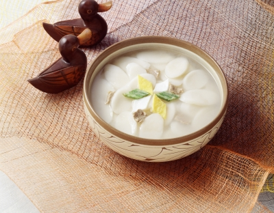 New Year's rice cake soup