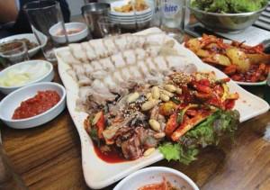 The Flavors of Korea in Jong-ro: Cheongjin-dong Haejang-guk (Hangover Soup) and Jong-ro Bossam (Napa Wraps with Pork) Alleys