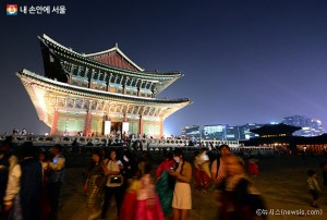 """The City of Two-thousand-year History"", Turning All of Seoul into the Scene from a History Textbook"