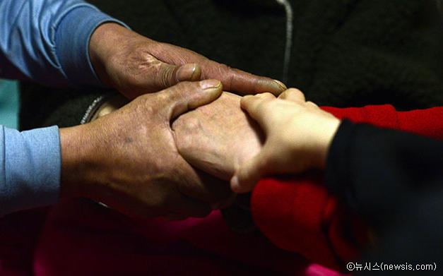 Septièmement, trouver aux familles vulnérables au bien-être en hiver et renforcer le soutien