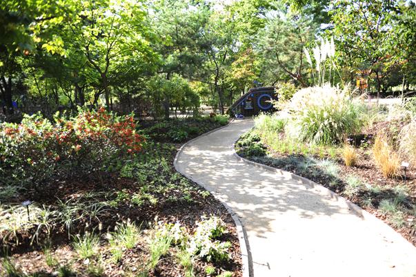 Gardener's Garden – Cheollipo Arboretum