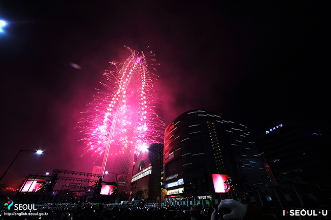 Celebratory Fireworks at the Lotte World Tower