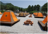 Tents for 4 to 5 people each (Cheolwon)