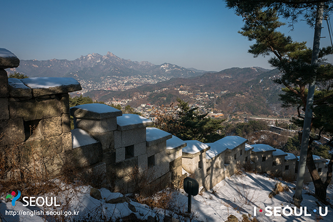 Seoul<br /> City Wall Course 4: Inwangsan Section