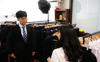 Free rental of job interview suits
