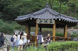 Enjoy Bukchon Culture Day in April!