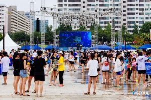 Enjoy a Refreshing Water Fight by Hangang River this Weekend!