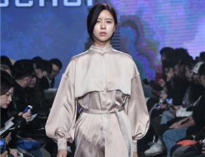 Seoul Hosts the Cheonggyecheon Aquatic Fashion Show