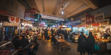 Seoul Citizens Spent 7.5% Less Offline While 18.4% More Online Compared to Pre-COVID-19 Era
