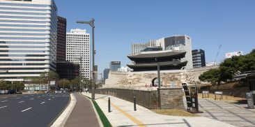 """""""Pedestrian Forest Path"""" on Sejong-daero to open in May and transform Seoul into a pedestrian-friendly city"""
