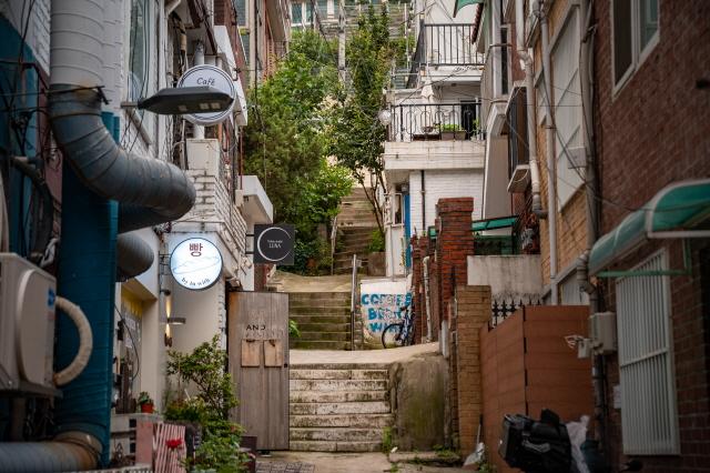 Gyeongnidan-gil in Itaewon