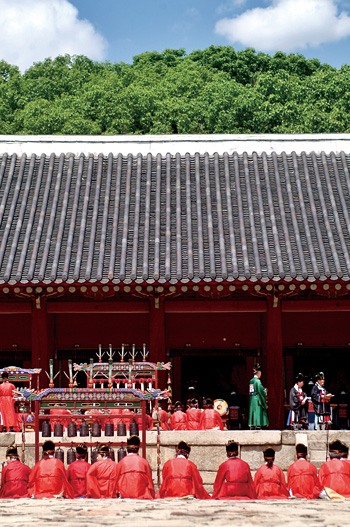 [Jongmyojeryeak (Jongmyo Royal Ancestral Confucian Memorial Ceremony Music)]