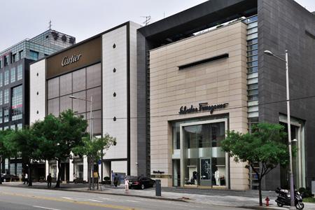 AMBLING ALONG CHEONGDAM-DONG'S LUXURY STREET